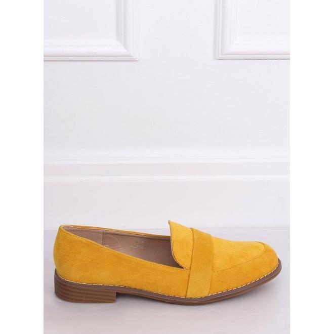 Dámske semišové mokasíny so zaoblenými špičkami v žltej farbe