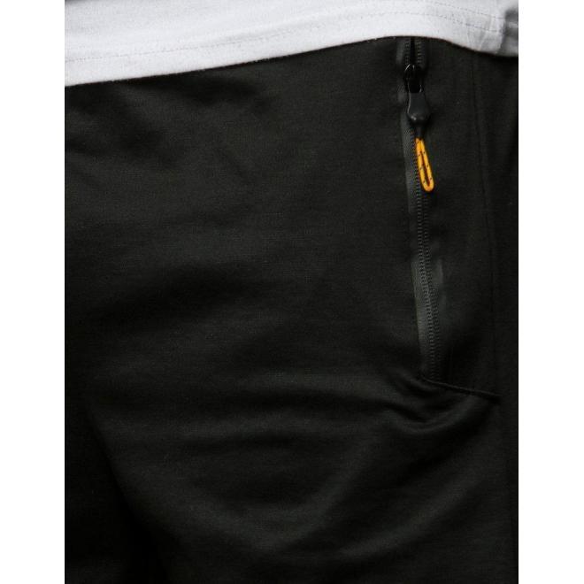 Pánske teplákové kraťasy v čiernej farbe