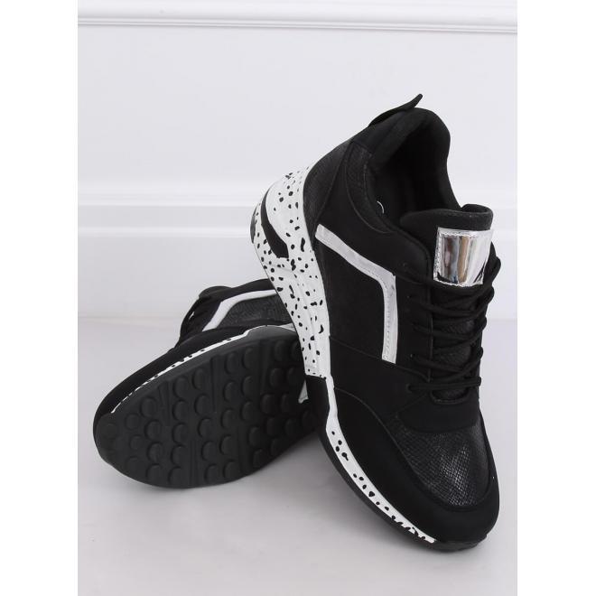 Športové dámske Sneakersy čiernej farby s klinovým opätkom