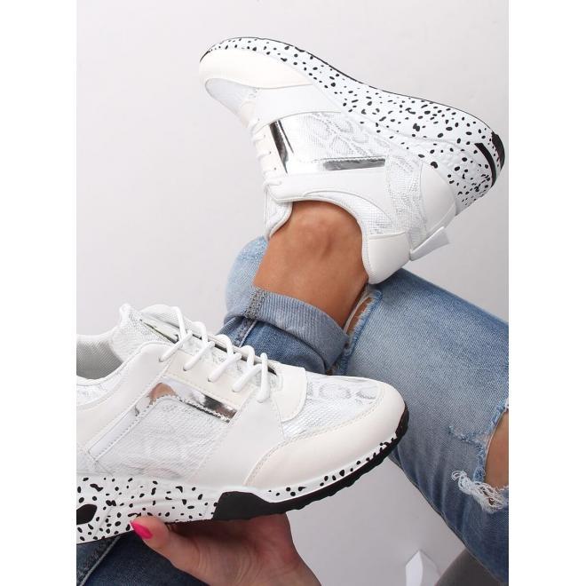 Dámske športové Sneakersy s klinovým opätkom v bielej farbe