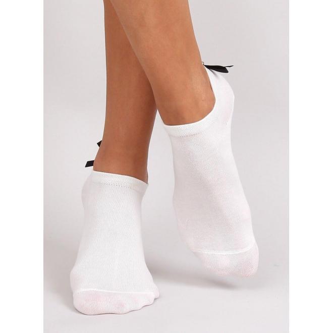 Krátke dámske ponožky béžovej farby s mašľou a perlou vzadu