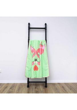 Obdĺžnikový plážový ručník zelenej farby s motívom plameniakov
