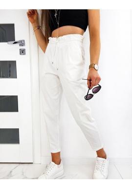 Pohodlné dámske nohavice bielej farby s ozdobným nariasením