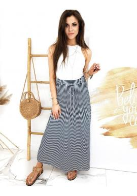 Dlhá dámska sukňa modro-bielej farby s pásikmi