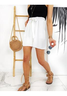 Pohodlné dámske kraťasy bielej farby s vysokým pásom
