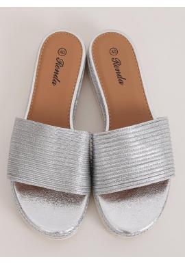 Strieborné módne šľapky s nízkym klinovým opätkom pre dámy