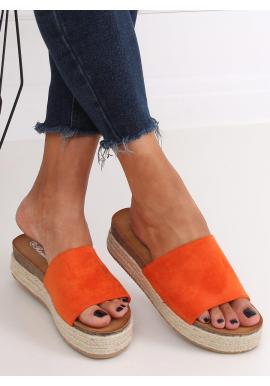 Semišové dámske šľapky oranžovej farby na vysokej podrážke
