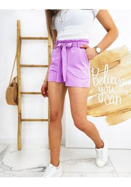 Pohodlné dámske kraťasy fialovej farby s nariasením v páse