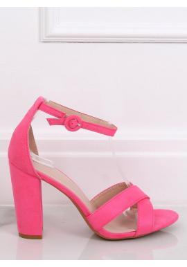Semišové dámske sandále ružovej farby na stabilnom opätku