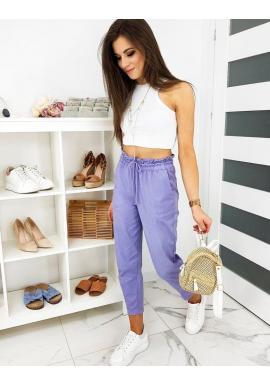 Dámske pohodlné nohavice s ozdobným nariasením vo fialovej farbe