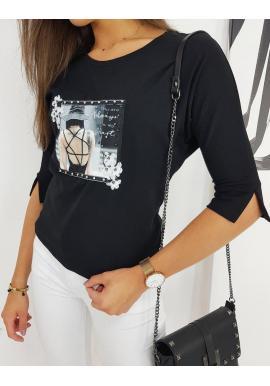 Módna dámska blúzka čiernej farby s aplikáciou