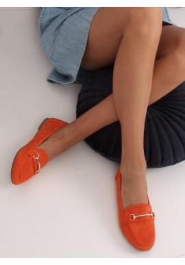 Dámske semišové mokasíny so zlatou ozdobou v oranžovej farbe