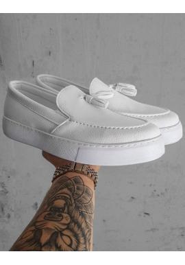 Pánske módne mokasíny na vysokej podrážke v bielej farbe