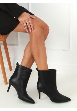 Lícové dámske topánky čiernej farby na štíhlom podpätku