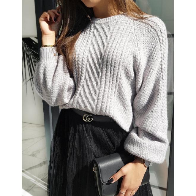 Módny dámsky sveter svetlosivej farby s nafúknutými rukávmi