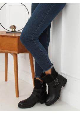Módne dámske čižmy čiernej farby s prackami
