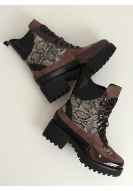 Štýlové dámske topánky hnedej farby s motívom hadej kože