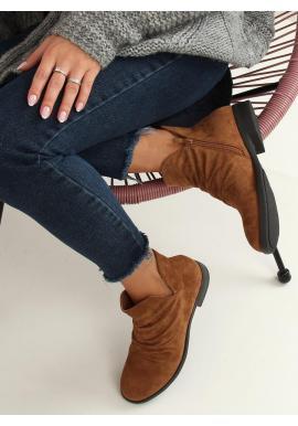 Semišové dámske topánky hnedej farby s výrezom