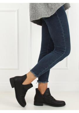Lícové dámske topánky čienej farby s výrezom