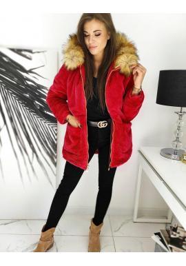 Zimná dámska parka červenej farby s kožušinou