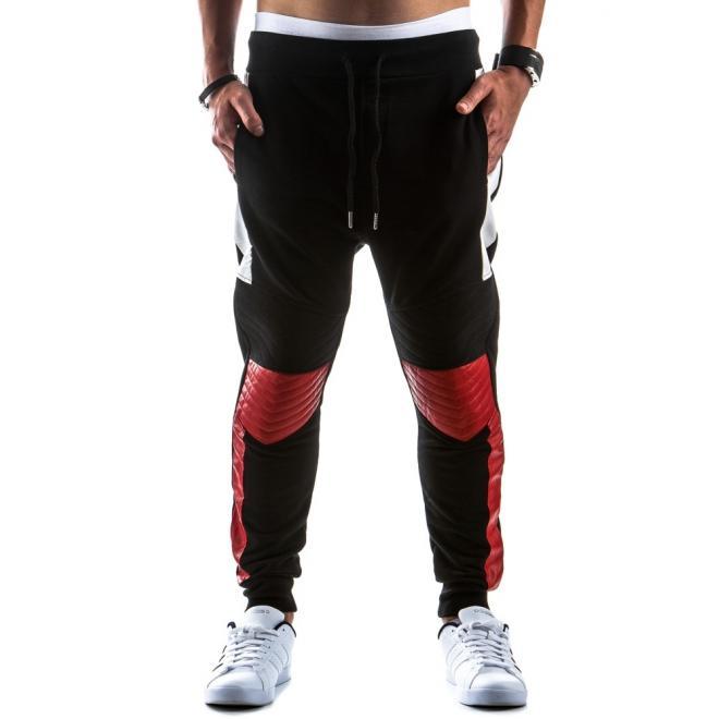 Športové čierne tepláky s prešívanými kolenami