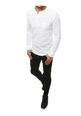Rozstrapkaná pánska košeľa bielej farby s vreckom na hrudi