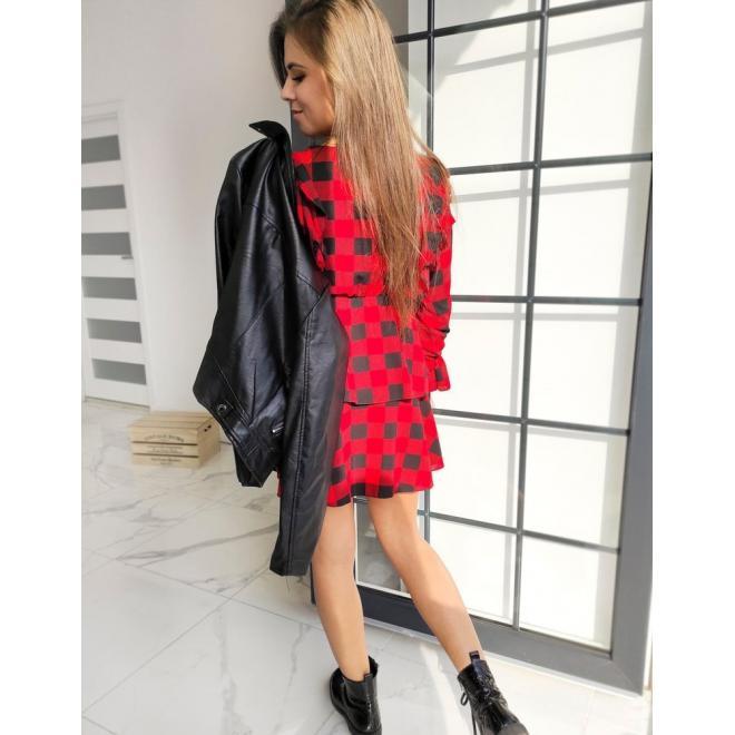 Kockované dámske šaty červeno-čiernej farby s volánmi