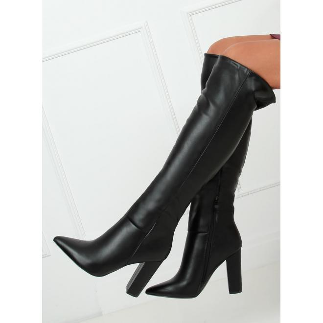 Dámske lícové čižmy nad kolená na podpätku v čiernej farbe