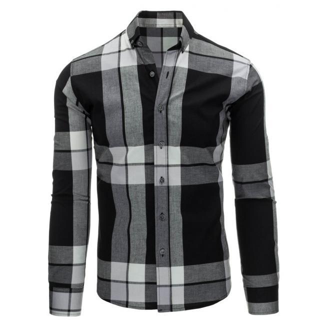 Košeľa čierno-bielej farby s károvaným motívom