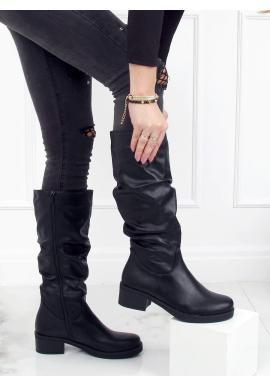 Čierne nariasené čižmy s nízkym opätkom pre dámy