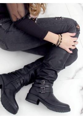 Nariasené dámske čižmy čiernej farby s prackami