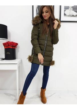 Dlhšia dámska bunda zelenej farby na zimu