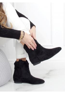 Semišové dámske topánky čiernej farby so širokým zvrškom