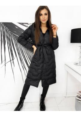 Dlhá prešívaná dámska bunda čiernej farby s opaskom