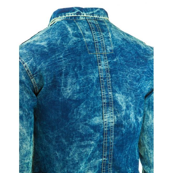 Pánska džínová košeľa modrej farby s miernym pokrčením