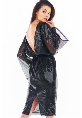 Flitrové dámske šaty čiernej farby s odhaleným chrbtom