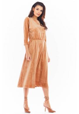 Velúrové dámske midi šaty béžovej farby s 3/4 rukávom