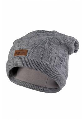 Módna dámska čiapka sivej farby na zimu