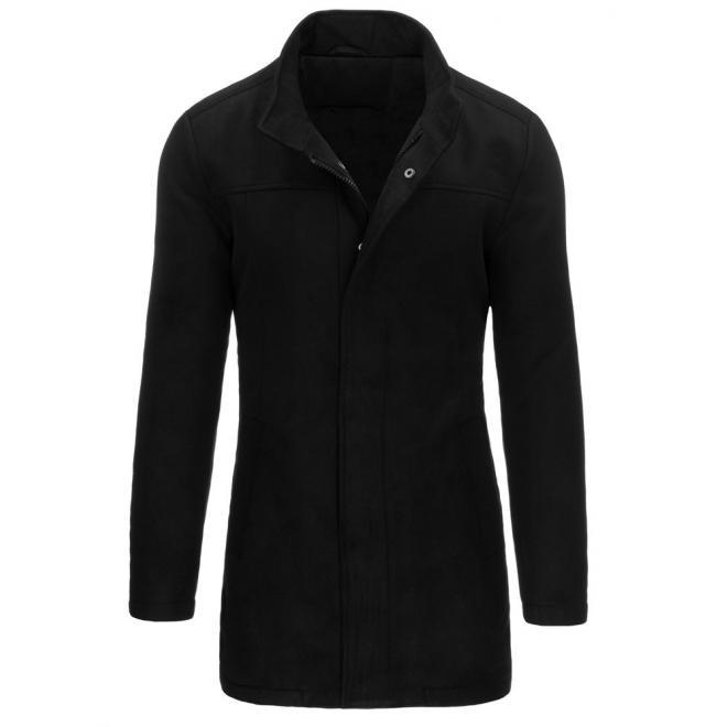 Dlhší pánsky kabát v čiernej farbe na zimu