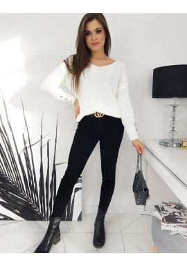 Teplý dámsky sveter bielej farby s ozdobnými gombíkmi