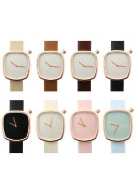 Klasické dámske hodinky krémovej farby s koženým remienkom