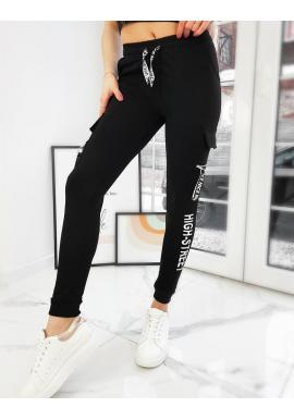 Dámske elastické nohavice s potlačou v čiernej farbe