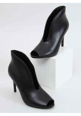 Dámske lícové topánky na štíhlom podpätku v čiernej farbe