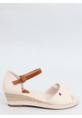 Dámske pohodlné sandále s nízkym podpätkom v béžovej farbe