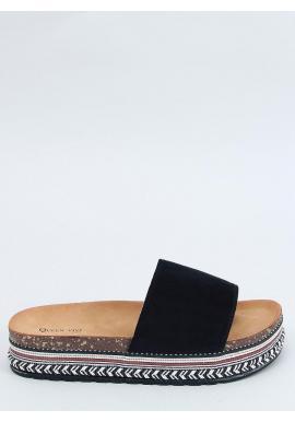 Semišové dámske šľapky čiernej farby s vysokou podrážkou