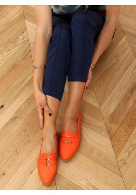 Oranžové lícové mokasíny s jemnou ozdobou pre dámy