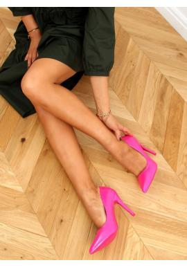 Lakované dámske lodičky ružovej farby na štíhlom podpätku