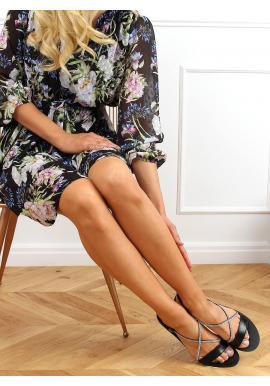 Dámske nazúvacie sandále s kamienkami v čiernej farbe