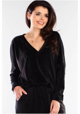 Voľné dámske tričko čiernej farby s véčkovým výstrihom