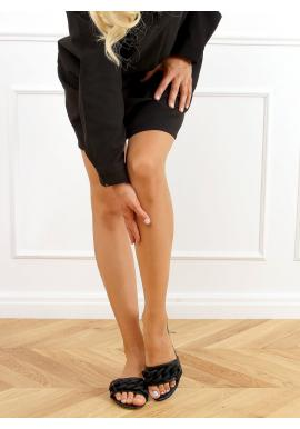 Lícové dámske šľapky čiernej farby s matnou retiazkou